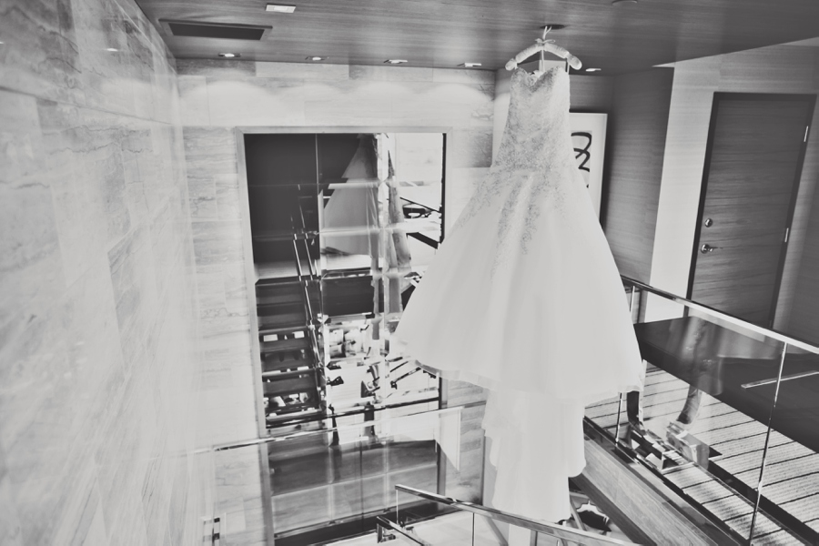 Las Vegas Wedding Dress Photography pictures at the M. Black and White wedding pictures.