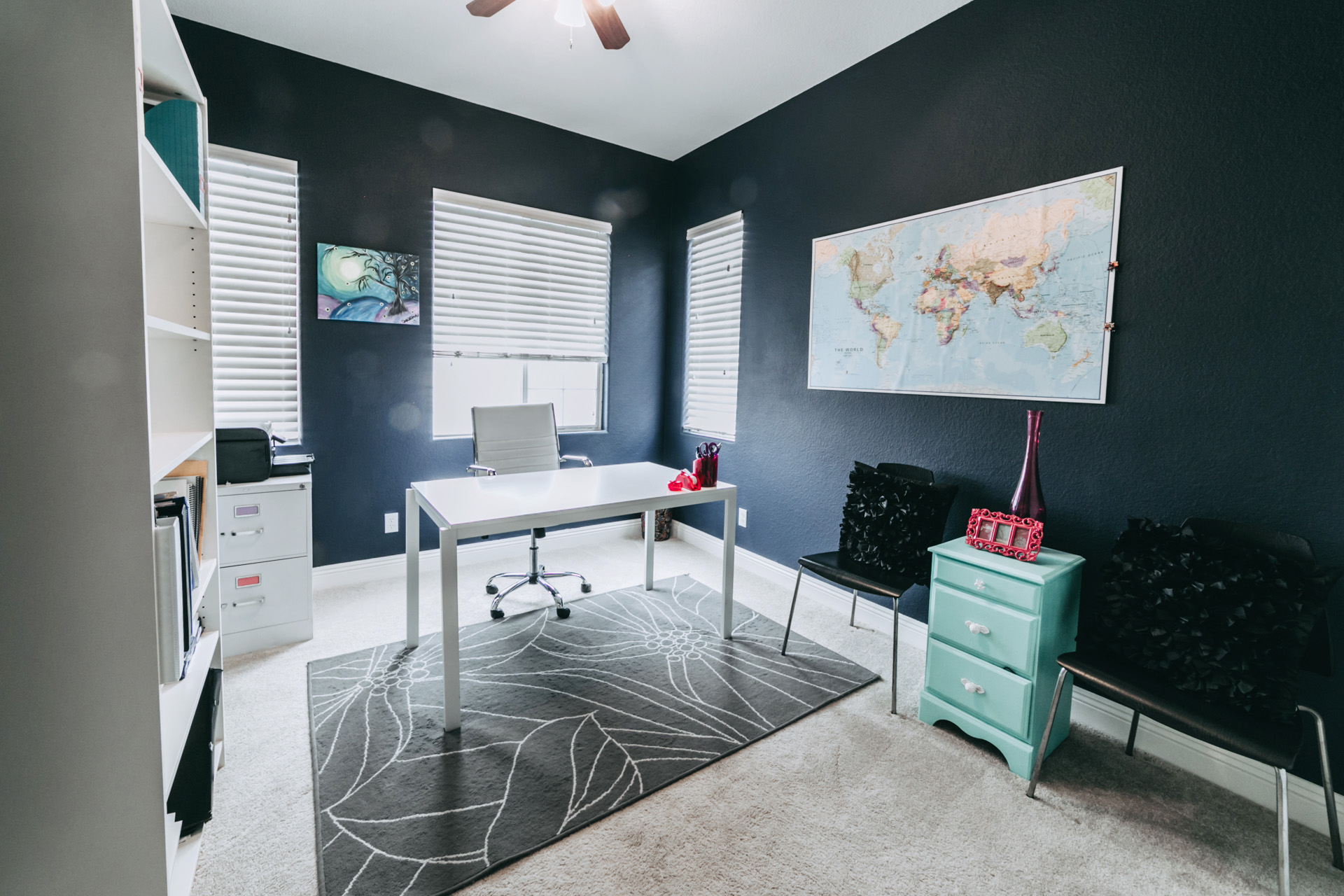 Home office Real Estate pictures. Las Vegas residential home photographs.